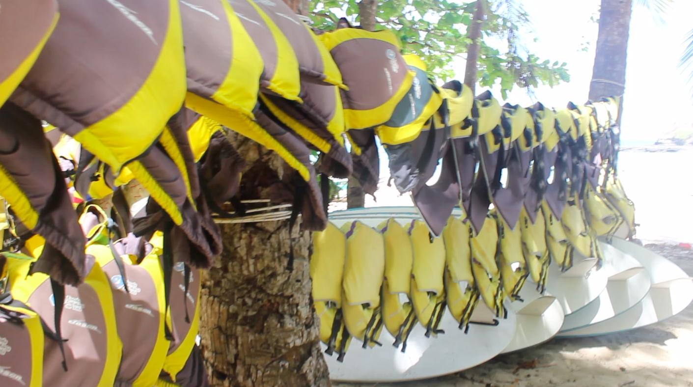 Lifejackets, sailing material Panama, Saboga Island