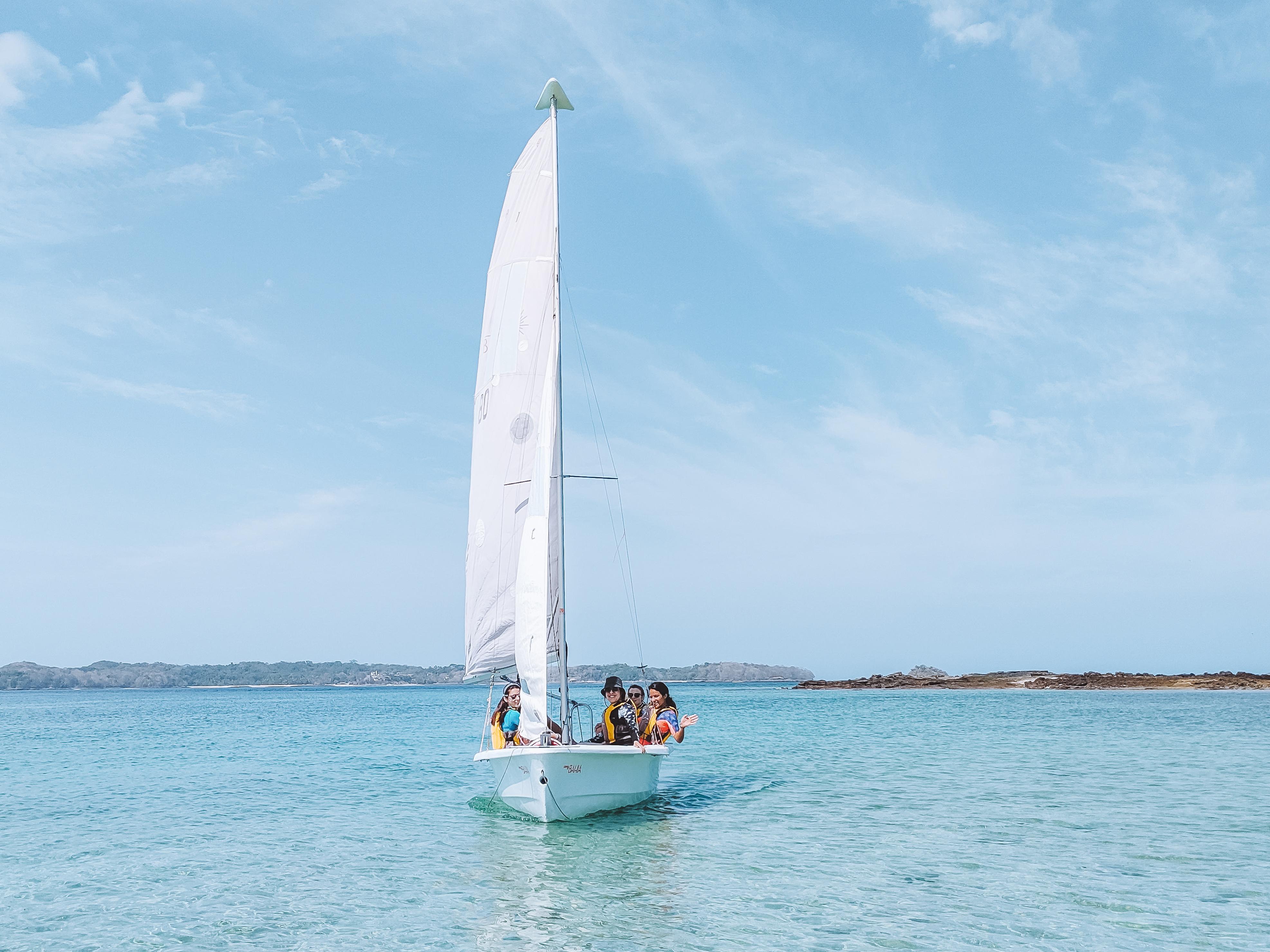 Navegando camino a Isla Bartolomé, Islas Perlas, Panama
